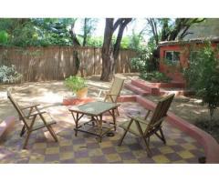A louer maison meublée 2 chambres avec jardin (Bango)