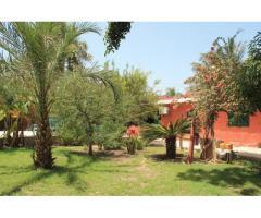 A vendre Maison (meublée) avec jardin (2 chambres) à Bango