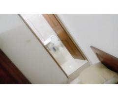 Chambre équipée avec salle de bain incorporée