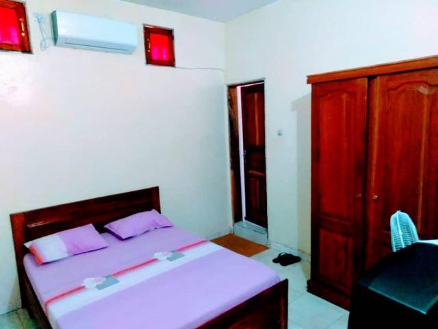 Chambres climatisées avec chauffe-eau à Saint-Louis. Contact 775511435